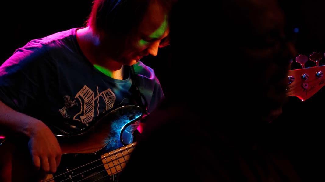 Basslehrer Janni Schmidt