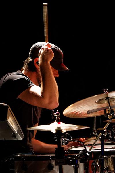 Schlagzeuglehrer Tommy Fischer